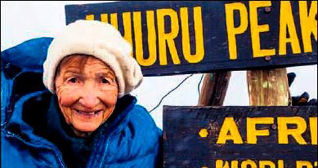 86 yaşındaki Rus'tan Kilimanjaro tırmanışı