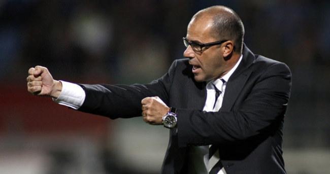 Vitesse'de teknik direktör Bosz görevden ayrıldı