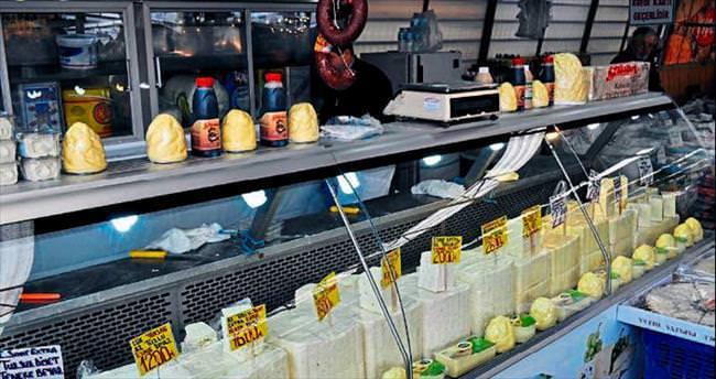 Peyniri ambalajlamak pazarcıları zora soktu