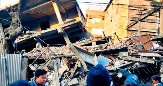 6.7 büyüklüğünde deprem 8 can aldı