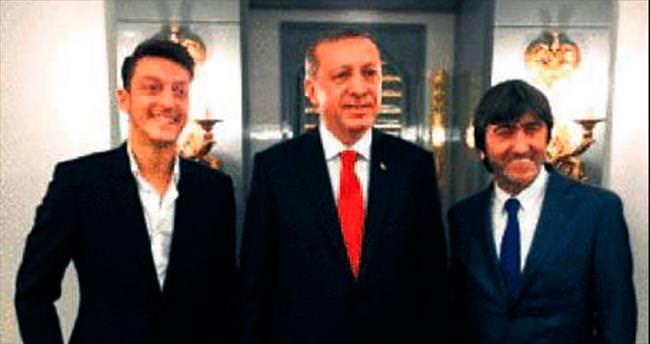 Cumhurbaşkanı'na 'Mesut' ziyaret...