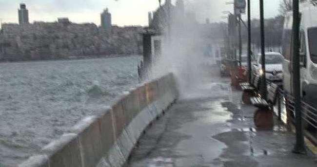 İstanbullular'a lodos uyarısı