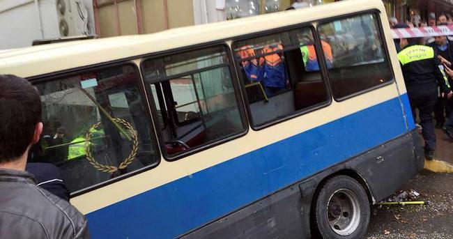 Sarıyer'de yolcu minibüsü kaza yaptı