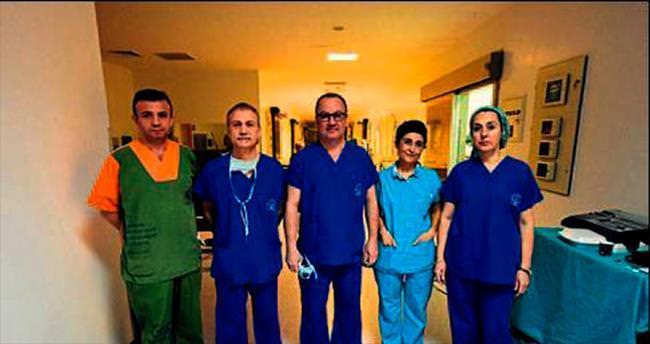 Beş farklı ameliyat canlı yayınlandı