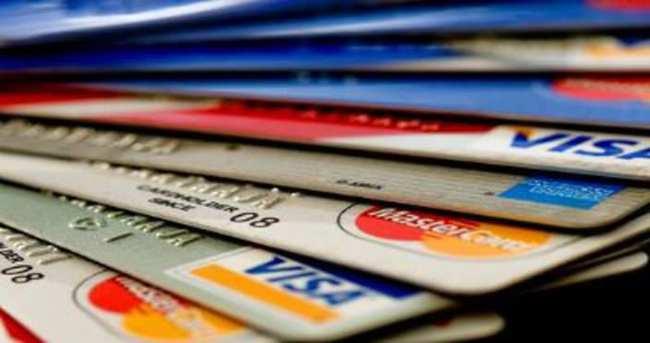 4 milyon kişi aidatsız kart kullanıyor