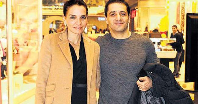 Ebru Akel eşiyle baş başa keyif yaptı