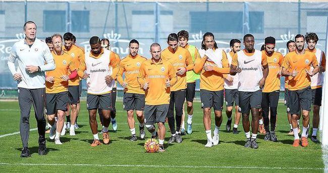 Galatasaray'da 3 ismin biletleri hazır