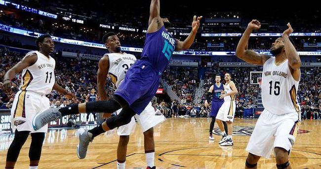 Çekişmeli maç Pelicans'ın
