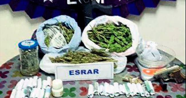 Uyuşturucu ve kaçak içki satıcılarına polisten darbe