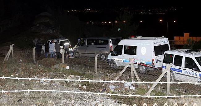 Otoyol kenarındaki otomobilde erkek cesedi bulundu