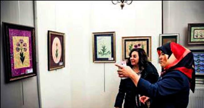 Gelenekten Geleceğe Ebru Sanatı Sergisi