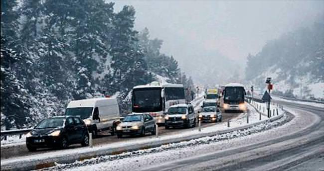 İzmir'de olağandışı kış günü manzarası