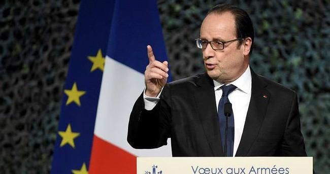 Hollande: Esad Suriye'nin geleceği olamaz
