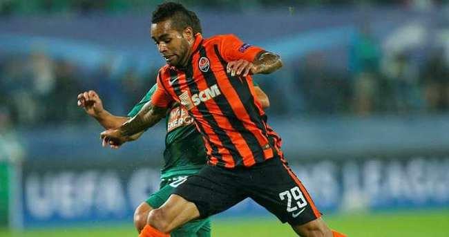 Chelsea ve Liverpool, Teixeira için yarışıyor