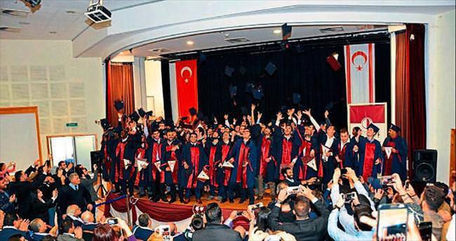 YDÜ'de mezuniyet