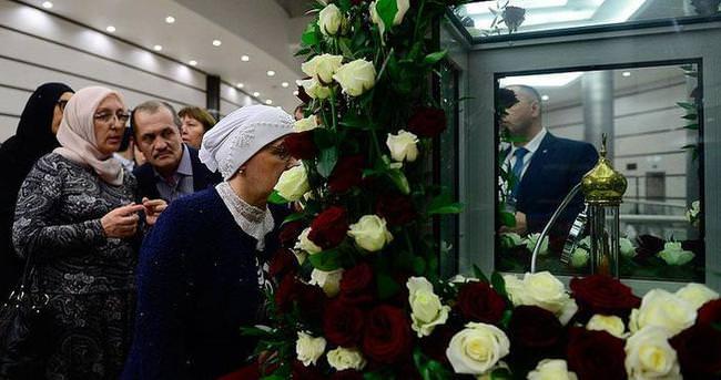 Hazreti Muhammed'in saç teli Moskova'da ziyarete açıldı