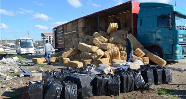 TIR'da 10 bin 50 paket kaçak sigara bulundu