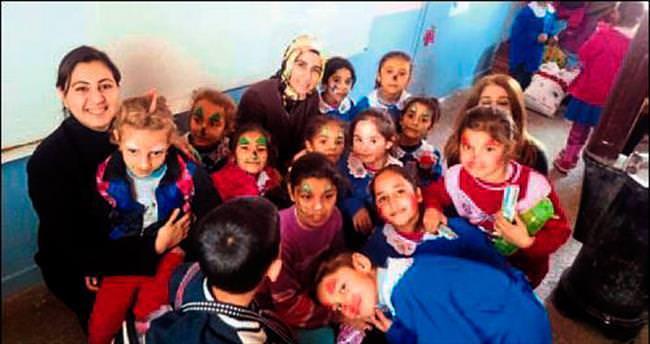 HKÜ'lülerden 'bir el bin ümit' kampanyası