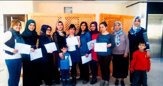 Ev kadınlarına İngilizce sertifikası
