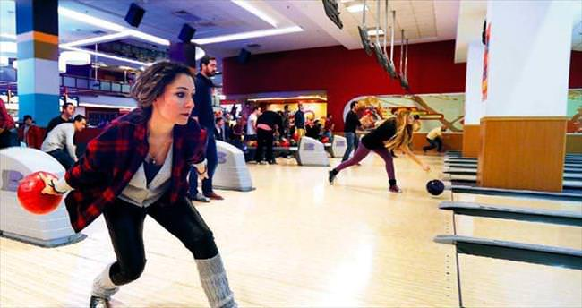 Gazetecilerin bowling buluşması