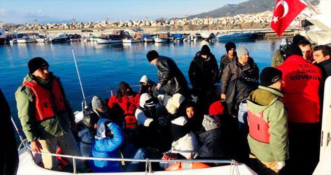 Göçmenler donmak üzereyken kurtarıldı