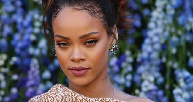 Rihanna'nın albümü olay oldu