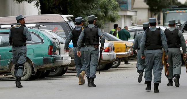 Taliban ilaçla uyutarak 10 Afgan polisini öldürdü
