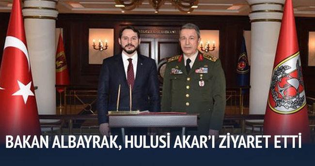 Bakan Albayrak, Orgeneral Akar'ı ziyaret etti