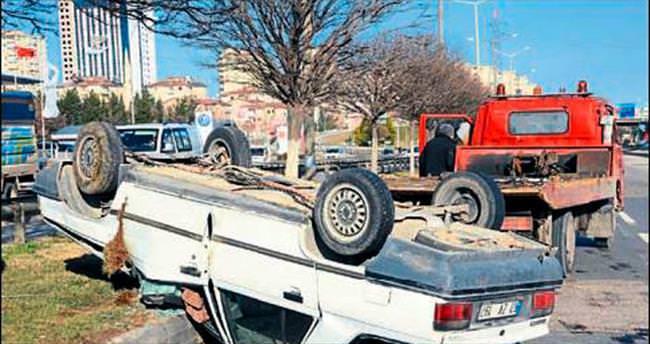 Takla atan araçtan sağ kurtuldular