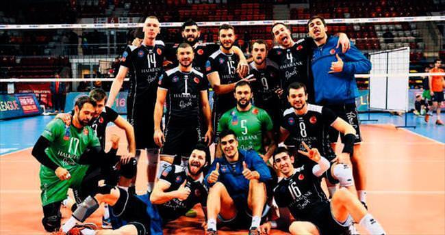 Paris Volley 3-1 yenildi