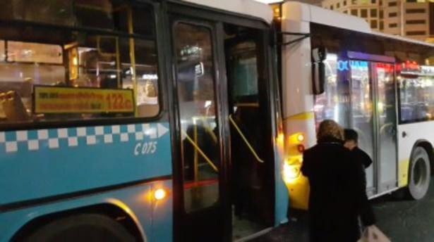 Mecidiyeköy meydanında otobüs kazası