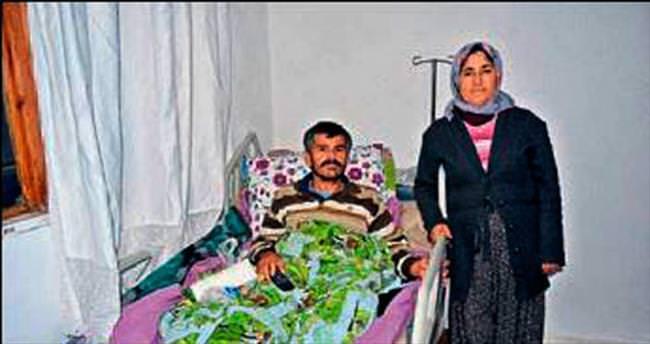 Büyükşehir'den felçli hastaya yatak yardımı