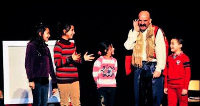 Kent Tiyatrosu'nda çocuklar için 'perde'