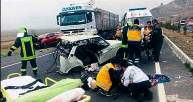 Denizli'de feci kaza: 3 ölü, 3 yaralı var