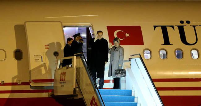Cumhurbaşkanı Erdoğan'ın uçağı yakıt ikmali için indi