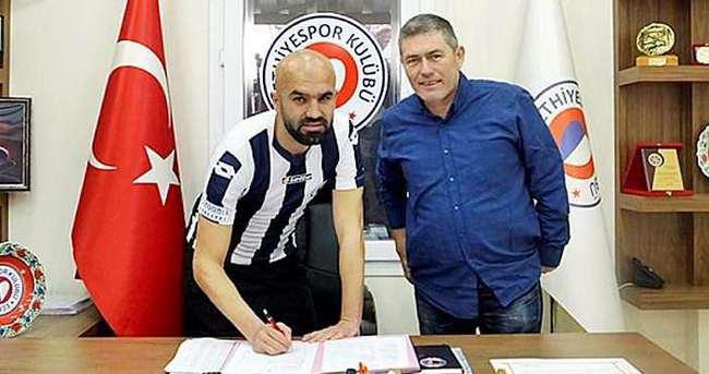 Fethiyespor'dan savunmaya takviye