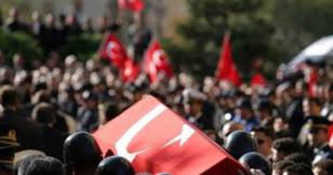 Diyarbakır'da 5 şehit memleketlerine uğurlanıyor