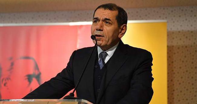 Dursun Özbek'ten Aziz Yıldırım'a kupa göndermesi