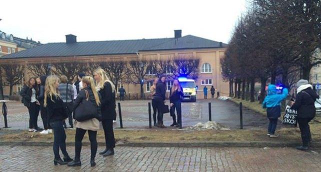 İsveç'teki ortaokulda şiddetli patlama