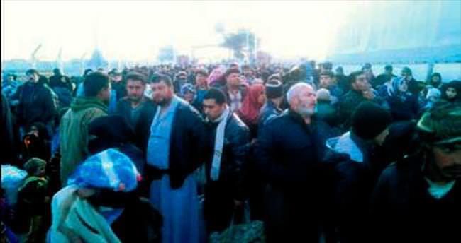 Suriyeliler sınıra dayandı
