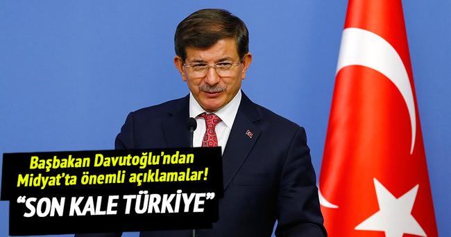 Başbakan Davutoğlu Midyat'ta halka hitap etti