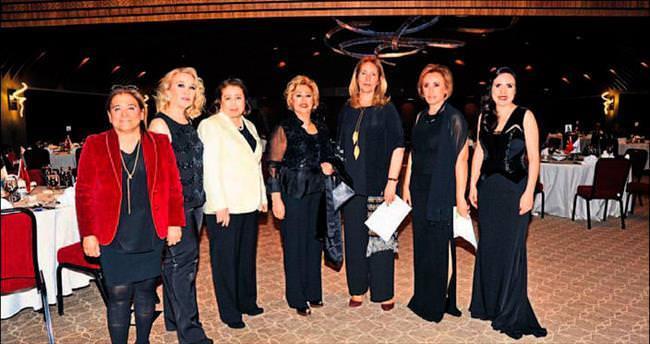 Divan Adana'da muhteşem balo