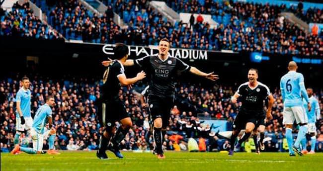Leicester City adım adım şampiyonluğa