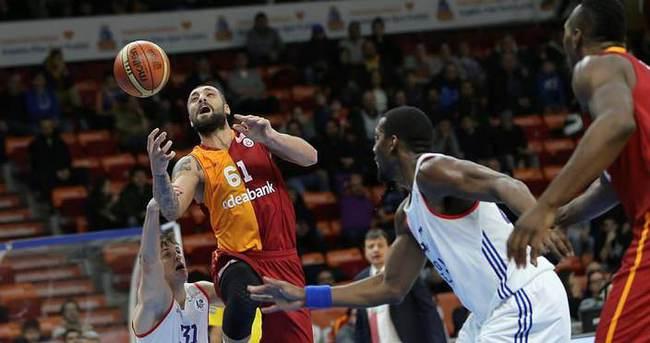 Galatasaray Efes'i devirdi