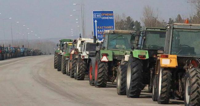 Yunan çiftçileri sınır kapısını kapattı