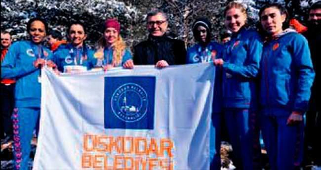 Üsküdarlı atletler 5. kez zirveye çıktı