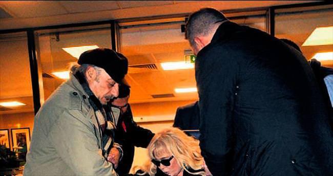 Zerrin Özer canlı yayında bayıldı