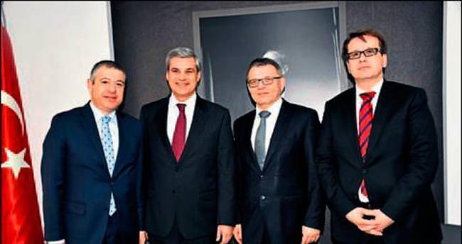 Çek Dışişleri Bakanı işbirliği mesajı verdi