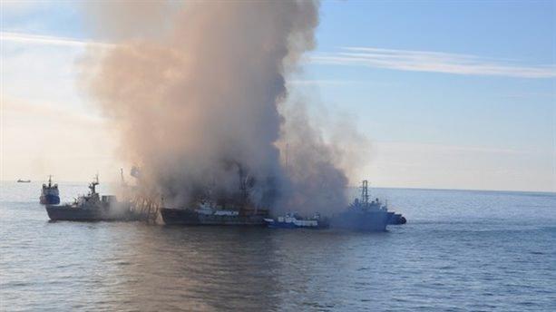 Petrol platformundaki yangın söndürüldü