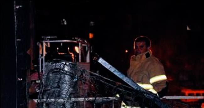 Aliağa'da elektrik sobasından ev yandı